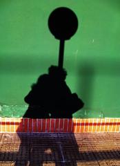 Golden Arches (vagabondando) Tags: shadow italy verde green canon europa europe italia ombra mcdonalds ixus didi goldenarches corinna lampione coppia sandonatomilanese preferito innamorati cvdm vagabondando 950is wwwvagabondandoit saintgifted sundaealcioccolato corinnavirginiademarchi
