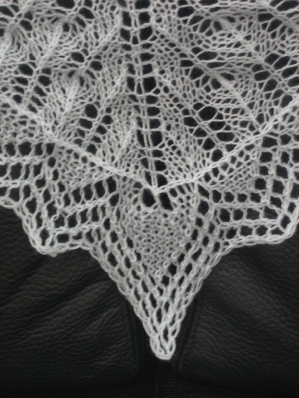 Fir Cone Triangular Shawl, border detail