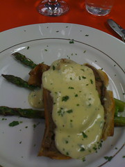 Beef Wellington with Bernaise Sauce