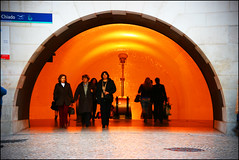 Metro Light (edwardkb) Tags: orange portugal yellow subway geotagged glow metro lisboa lisbon tube symmetry chiado 50mmlens ruvjet canoneos400d aplusphoto geo:lat=38710722 geo:lon=9139155 edwardbarnieh