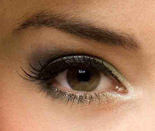 Simple eye shadow