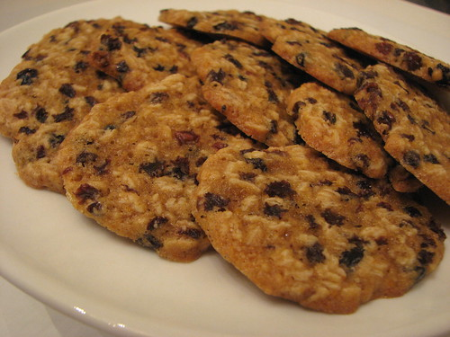 Orange Oatmeal Currant Cookies