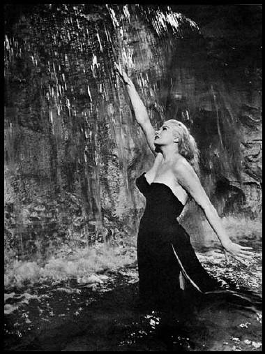 Anita Ekberg dans la fontaine de Trévise