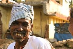 Sourire indien (Reibenberg) Tags: portrait india man smile bombay mumbai sourire ritratti ritratto homme inde digitalcameraclub reibenberg passionreflex