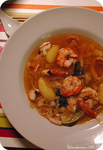 Zuppa di pesce speziato