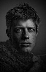 Silence Matin (Joel Bedford) Tags: portrait bw selfportrait toronto man photoshop self bedford design photo blackwhite joel processing jab 2b lightroom treatment jalex joelb autorretratoydetalles
