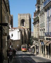 """Lisbona a colori (""""pipopipo"""") Tags: portugal torre lisboa tram lisbona portogallo merlo linea5 mezzoditrasporto canoniani maluchiffaritime"""