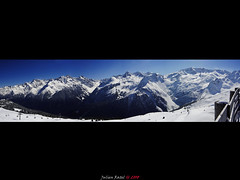 ~~ Back to my mountains ~~ (Julien Ratel ( Jll Jnsson )) Tags: blue fab panorama sun white mountain snow ski montagne canon resort tokina bleu neige eos350d blanc soe themoulinrouge tlsige naturesfinest fpc barrire blueribbonwinner firstquality 50faves 1224mmf4 flickrsbest golddragon mywinners abigfave platinumphoto anawesomeshot impressedbeauty aplusphoto superbmasterpiece infinestyle diamondclassphotographer flickrdiamond ysplix excellentphotographeraward theunforgettablepictures brillianteyejewel betterthangood theperfectphotographer thegardenofzen thegoldendreams goldstaraward dragongold blueju38 julienratel spiritofphotography thegreatshooters laguerredesreflex matrejedicanon jujucontreattaque julienratel2008 canonmaster magicdonkeysbest
