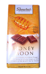 Honey Moon Swiss Chocolate Bar: Package