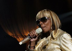 mary j blige & a iced out mic