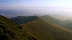 Beacons Ridges (The Groovster) Tags: morning summer sky mountains wales clouds sunrise dawn july breconbeacons penyfan daybreak cornddu cribyn welshflickrcymru thegroovster