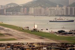 "Boeing 747-237B, VT-EBN, ""Air India"" - Kai Tak Airport, Hong Kong (Daryl Chapman Photography) Tags: fun dangerous landing trousers boeing arrival 747 ai airindia kaitak victoriaharbour crosswind 742 scrapped whiteknuckle vhhh edgeofyourseat vtebn hognkong igs13 747237b"