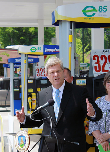 Agriculture Secretary Tom Vilsack touts the  benefits of Ethanol E-85 at a  gas station in Nashville, TN, on Monday, May 23, 2011.