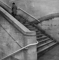 too late (lesbru) Tags: blackandwhite london steps waterloo urbanlandscape waterloobridge diagonals d40x artlegacy lesleybruceportfolio