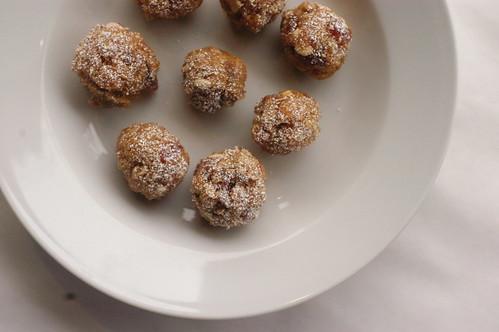 fruit and nut balls I