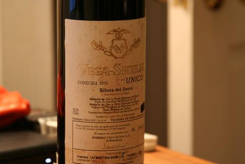 Una botella de Unico de Vega Sicilia