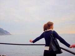 cercando di volare via.... (miss'time) Tags: mare liguria 2008 capodanno vento lerici misstime