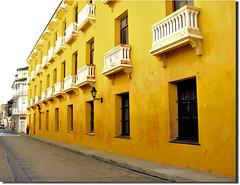 Cartagena's streets... (♡ Popotito ♡) Tags: street windows southamerica yellow calle colombia ventanas amarillo balconies strong untouched cartagena sudamerica balcones fuerte callecita cartagenadeindias sinretoques superbmasterpiece popotito goldstaraward