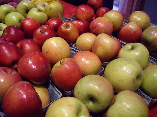 Apples from HW Organic Farms