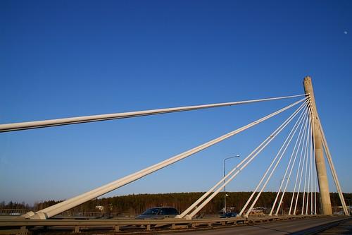 "Rovaniemi: Jätkänkynttilä bridge • <a style=""font-size:0.8em;"" href=""http://www.flickr.com/photos/26679841@N00/2231784176/"" target=""_blank"">View on Flickr</a>"