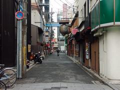(ketou-daisuki) Tags: street morning kyoto minolta accident scooter dimagea1 a1 utilitypole dimage matin mattina kiyamachi