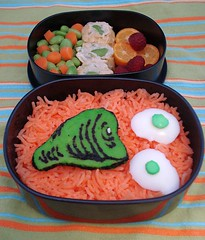 green eggs & ham (Sakurako Kitsa) Tags: green dr cartoon ham seuss eggs bento sakurako obento kitsa sakurakokitsa