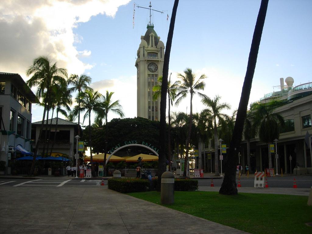 Honolulu Pier