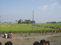 The crowds arrive (BBC World Service Bangladesh Boat) Tags: water river bbc rivers bangladesh climatechange bbcworldservice pothe bhola sanglap bangladeshbytheriver nodi bangladesh mv aboshar bbc sanglap ilisha ghat