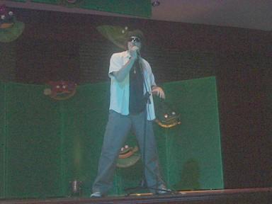 PA- realizando el personaje de Ricardo Arjona