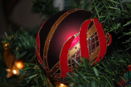 Red & Gold Ornament