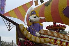 P1000410 (rabbit ears) Tags: california flowers floral us pasadena roseparade floats floralart paradefloats
