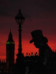 A Dickensian Sunset (Tim Fearn) Tags: sunset red london westminster statue housesofparliament bigben southbank lamppost mime
