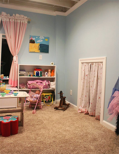 playroom, right side