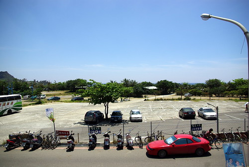 Kenting - view of the parking on Monday morning
