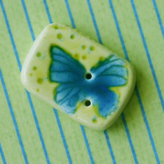 Dusky Butterfly Button