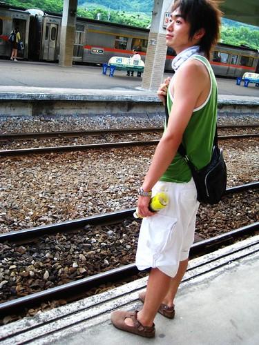 你拍攝的 8.等著火車來的Bu。