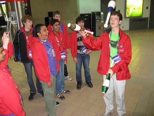 Calvin juggling