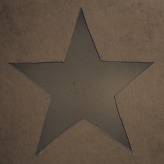 White Base (Marius Mellebye / 276ccm) Tags: apple logo gold star leaf candy brush copper pearl marius airbrush ixus500 2007 goldleaf californiagold custompaint mariusmellebye redcandy applered silverpearl 276ccm automask