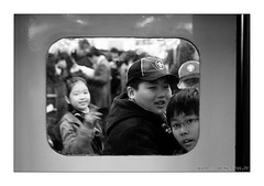 kids (yannshu) Tags: kids subway korea seoul canonef2470mmf28lusm  core  deoksugungpalace coredusud lpwindows capitalofkorea