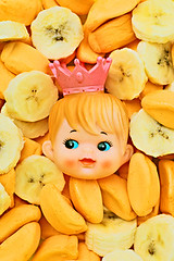Ban-hannah (boopsie.daisy) Tags: birthday pink food baby silly cute face yellow fruit crazy funny princess hannah kitsch banana bunch junkfood multiple crown tribute wacky quirky lots dollhead kooky 10faves 4starfridgeandgourmetdinner wowiekazowie happinessconservancy bananacandies bananamarshmallows