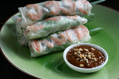 Goi Cuon with Peanut Hoisin Dipping Sauce