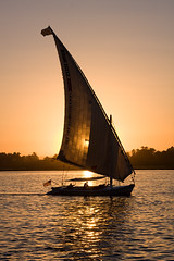 felucca sunset... (John FotoHouse) Tags: africa travel sunset water canon river easter eos march boat egypt nile egyptian sail johndolan felluca dolan 40d leedsflickr brillianteyejewel johnfotohouse yorkshirephotographer copyrightjdolan