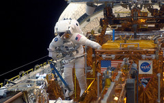 Endeavor Space Mission (sally_l_ourgifted) Tags: endeavor spacewalk