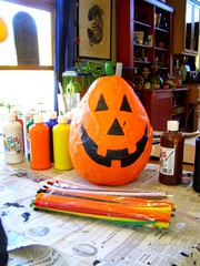 Halloween Pinata (c) Hilltown Families