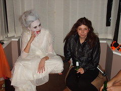 Kimberly & Gillian (petercrosbyuk) Tags: party halloween kimberly gillian 2007 brideofdrackula