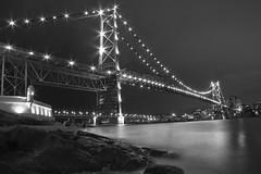 Ponte Hercílio Luz (Alessandro Gruetzmacher) Tags: brasil agua ponte noturna santacatarina pedra hercilioluz longaexposicao florianpolis
