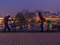 Paris by night in winter (Chris Kutschera) Tags: paris france night nuit parti pontdesarts