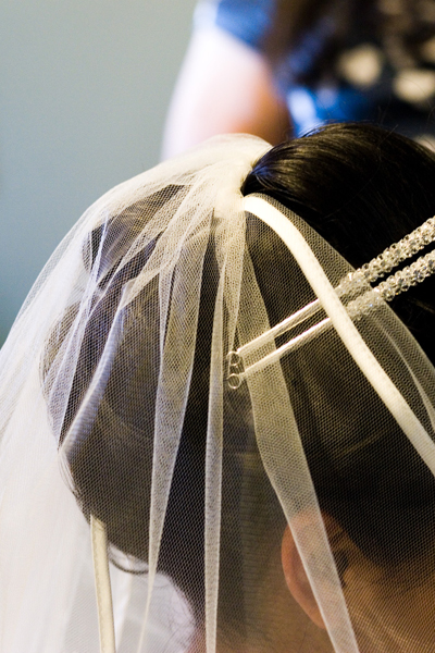 Short wedding veil for curly hairstyles. long ringlets hairstyles.