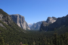 Yosemite, Tunnel View (Apricot Cafe) Tags: canonef1635mmf28liiusm california yosemitenationalpark tunnelview elcapitan halfdome bridalveilfall unitedstatusofamerica