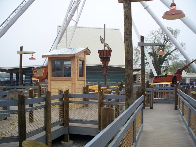 Cedar Point - New Ocean Motion Queue Line